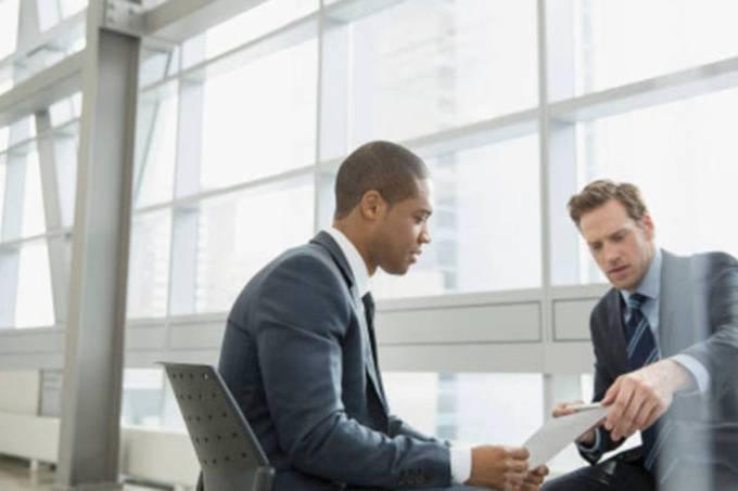 size_960_16_9_size_810_16_9_executivos-conversando.jpg