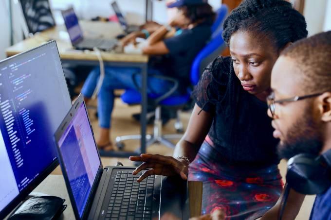 Menos jargão e mais estratégia: as necessidades dos líderes de TI