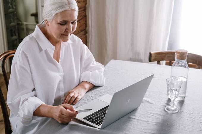 Banco BV cria área exclusiva para profissionais com mais de 50 anos
