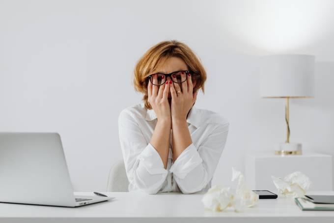 Trabalhar 55 horas ou mais por semana aumenta o risco de morte
